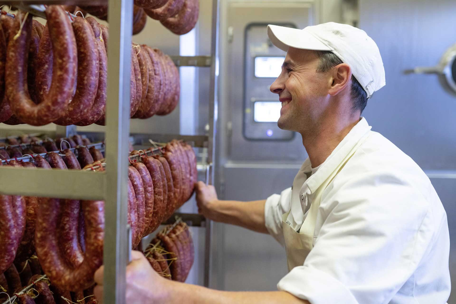 Buchaer Fleischermeister bei der Arbeit